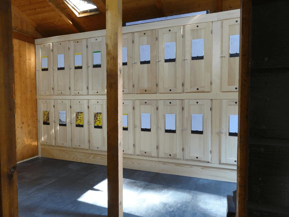 Innenansicht umgebautes Bienenhaus